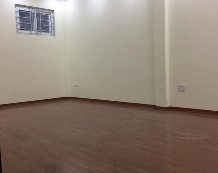 Nhà mới đẹp Văn Cao Ba Đình 30m 5 tầng mặt tiền 3.5m giá 3.2 tỷ, nhà đẹp ở luôn.