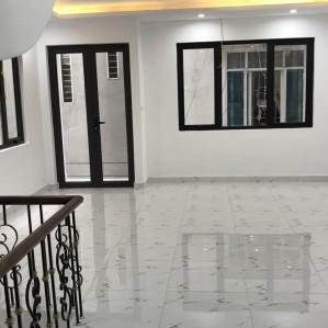 Bán nhà siêu đẹp Vĩnh Phúc, Hoàng Hoa Thám Ba Đình 75m 5 tầng mặt tiền 5m giá 5.5 tỷ đẹp không tỳ vết.