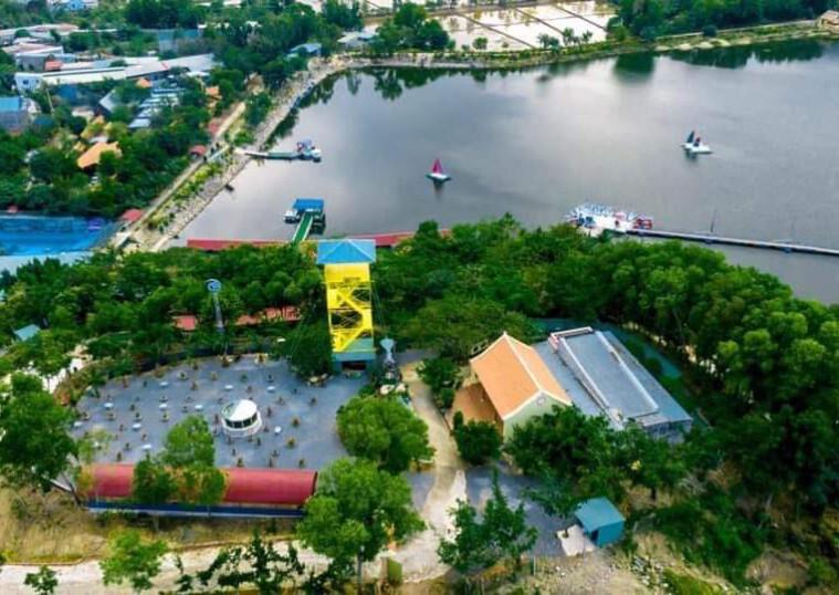 Khu dân cư nằm ngay cạnh hồ du lịch Marina Châu Pha quy mô 24 nền nhà phố diện tích từ 125-150m2