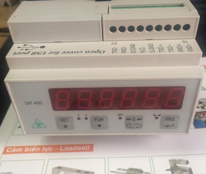 Đầu cân DAT400/A có thêm option Analog (0-10V & 4-20mA) sản xuất tại Pavone – Italia, lắp trên thanh ray
